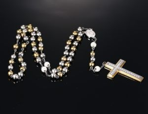 Fashion Religious Christian Beads Diamond Woman Cross Pendant Stainless Steel Necklace Jewelry pictures & photos