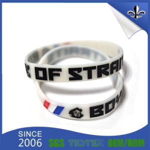 Multicolor Debossed Logo Rubber Silicone Bracelet for Promotion Gift pictures & photos
