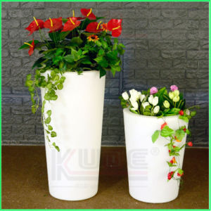 Solar Lighted Flower Pots and Planters LED Plastic Flower Pots pictures & photos