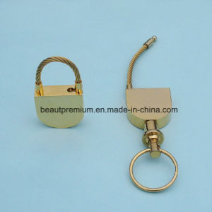 Creative Customized Lock Shape Golden Key Chain BPS0176 pictures & photos