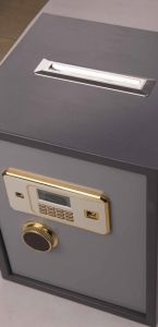 Electronic Deposit Safe Box for Commercial Use pictures & photos