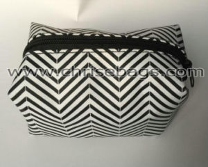 Simple Cosmetic Bag pictures & photos