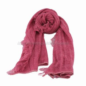 Fringed Knitted Scarf Made of Quality Yarn (GMK20-11) pictures & photos