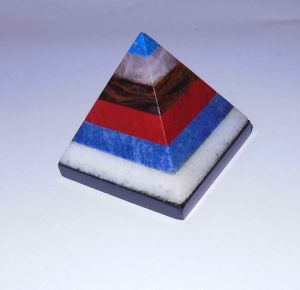 Semi Precious Stone Fashion Crystal Pyramid Gifts <Esb01640> pictures & photos