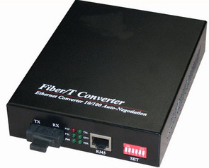10/100Mbps Media Converter pictures & photos