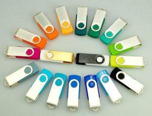 Metal and Plastic USB Flash Drive (KM-U06)