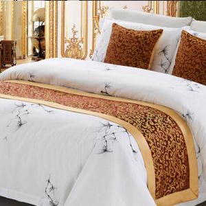 Embroidery Polyester Jacquard Hotel Bed Runner pictures & photos
