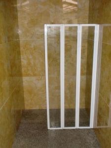 Bathroom Folding Glass Shower Screen Enclosure pictures & photos