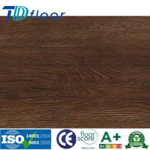 Classic Oak Registered Emboss Wood Design PVC Vinyl Flooring pictures & photos