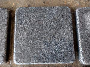 G654 Dark Grey Granite Tumbled Paving Stone pictures & photos