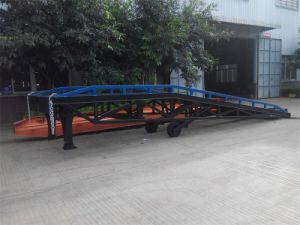 CE Approved Container Loading Ramp/Mobile Loading Ramp pictures & photos