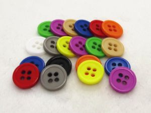 European Standard Test Approved Multi-Colored Polyester Button pictures & photos