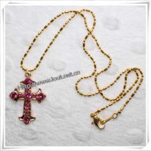 Fashion Golden Plated Clear Cross Pendant Necklace (IO-an003) pictures & photos