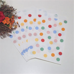2016 Hottest Color Dots Decorative Funny Paper Candy Bags pictures & photos