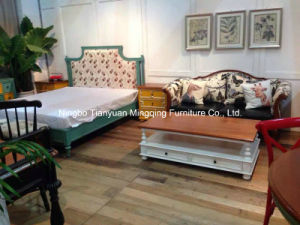 Match Well of Chinese and Western Sofa Antique Furniture pictures & photos