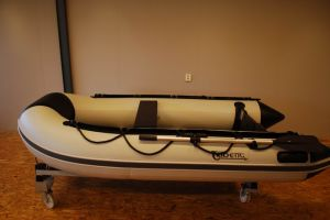 6 Persons Ce Customized Color Inflatable Boat with Motor pictures & photos