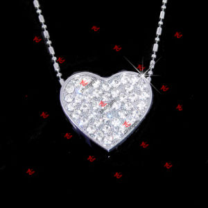 Fashion Crystal Charms Jewelry Girls Gift Enamel Flower Necklaces (EFN50827) pictures & photos