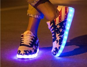 2016 Hot Sale 7 Colors LED Shoes/Light up Shoes with USB Recharge pictures & photos