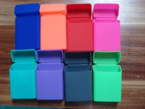 Rectangular Shape and Polished Surface Finish High Quality Silicone Slim Cigarette Case pictures & photos