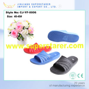 Fashion Design Beach EVA Men Slipper Flat Plain Indoor Slipper pictures & photos
