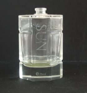 Design and Produce Glass Perfume Bottle 100ml pictures & photos
