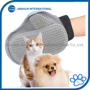 Dogs Grooming Brush Deshedding Glove pictures & photos