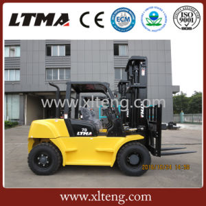 Competitive Price 7 Ton Diesel Forklift with Japan Engine pictures & photos