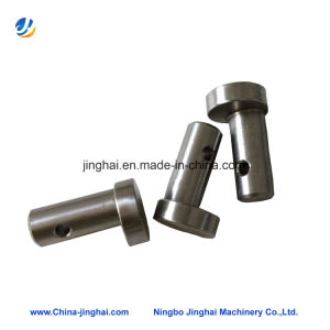 Precision Stainless Steel Eccentric Shaft of Tractor Parts pictures & photos