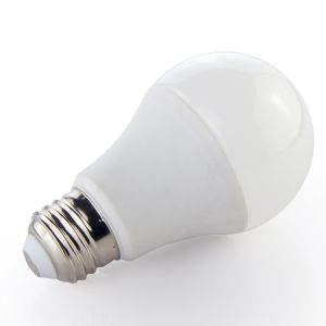 High Quality Ce, RoHS Approved Die-Casting Aluminium Thermal Plastic LED Bulb E27 pictures & photos