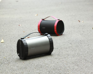 2017 Newest Customized High Sound Quality Big Outdoor Partable Bluetooth Speaker (OITA-2002) pictures & photos