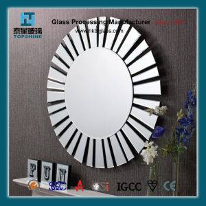 Wall Mirror/ Decorative Mirror/ Make up Mirror pictures & photos