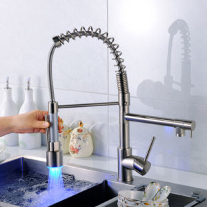 Flg Kitchen Faucet with Sprayer LED Design Kitchen Mixer Taps pictures & photos
