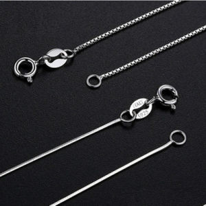 The S925 Silver Necklace Has No Pendants pictures & photos