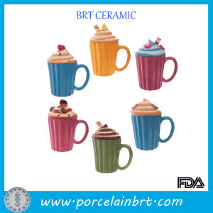 Innovation Ceramic Cake Cup with Lid pictures & photos