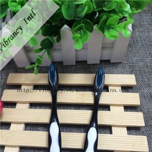 3~4 Star High Quality Plastic Handle Black Toothbrush for Hotel pictures & photos