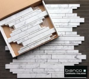 Random Strip Carrara White Marble Mosaic Wall Tile pictures & photos