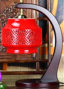Chinese Porcelain Red Carving Desk Lamp La-07 pictures & photos