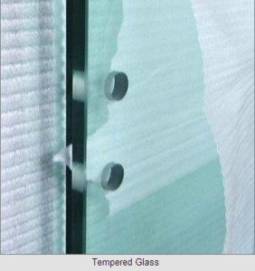 3-19mm Tempered Glass /Toughened Glass with Holes or Cutouts (3-19mm) pictures & photos