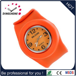 Promotion Gift Wholesale Silicone Slap Wristband (DC-102) pictures & photos
