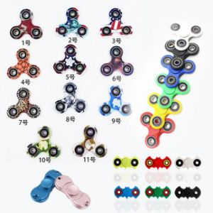 Metal/ Brass/ Titanium/ Aluminium Alloy EDC Fidget Spinner with Hybrid Ceramic Bearing pictures & photos