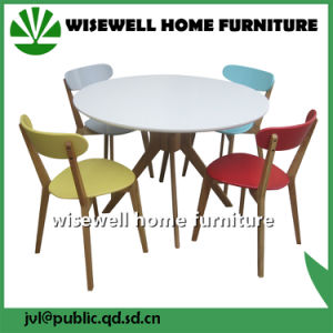 MDF Dining Table and Colorful Chairs pictures & photos