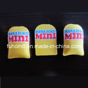 Professional Quality Cotton-Filling Woven Label for Garment pictures & photos