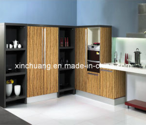 Modern UV Lacquer Kitchen Cabinets with Quartz Countertop pictures & photos
