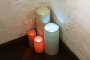 Flickering Flameless Candles with Voice Control, Yellow Light - Divine LEDs pictures & photos