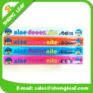 Fashion Novelty Gift Customized Promotional Slap Wrist Band pictures & photos
