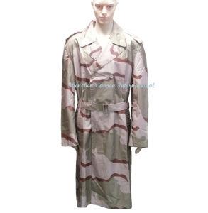 Waterproof Long Raincoat in Desert Camouflage pictures & photos