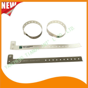 Entertainment One Time Use Promotion Custom Plastic ID Wristband (E8070-11) pictures & photos