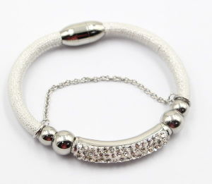 High Quality Fashion Jewelry Leather Bracelet with Stainless Steel Charms pictures & photos