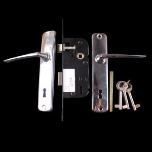 4240 Aluminum Handle with Lock Body Door Handle Lock pictures & photos