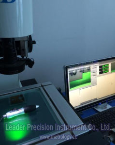 Non-Contact Video Measuring Machine for Electronics and Mold (MV-3020) pictures & photos